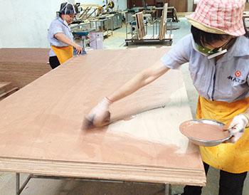 汉林批灰腻子施工家具厂实拍