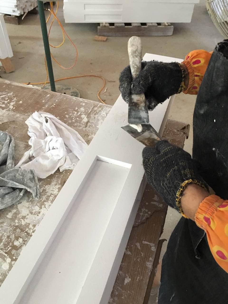 家具补灰指的是什么,用水性腻子还是油漆补?