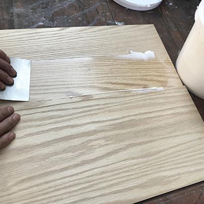 木质家具用汉林水性腻子刮灰效果更好,传统猪血灰已惨遭时代抛弃!